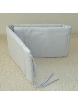 Šviesiai pilka apsauga lovytei