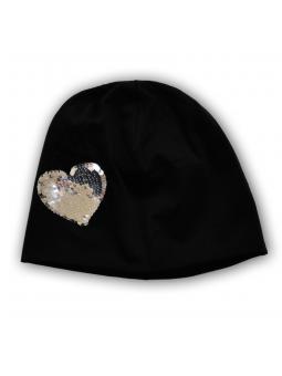 Juoda trikotažinė kepurė