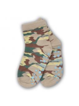 Kojinės gumuotais padukais...