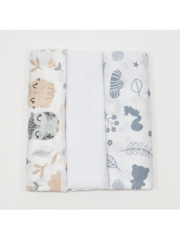 Muslin diapers white...