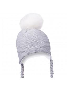Pilkos spalvos žieminė kepurė